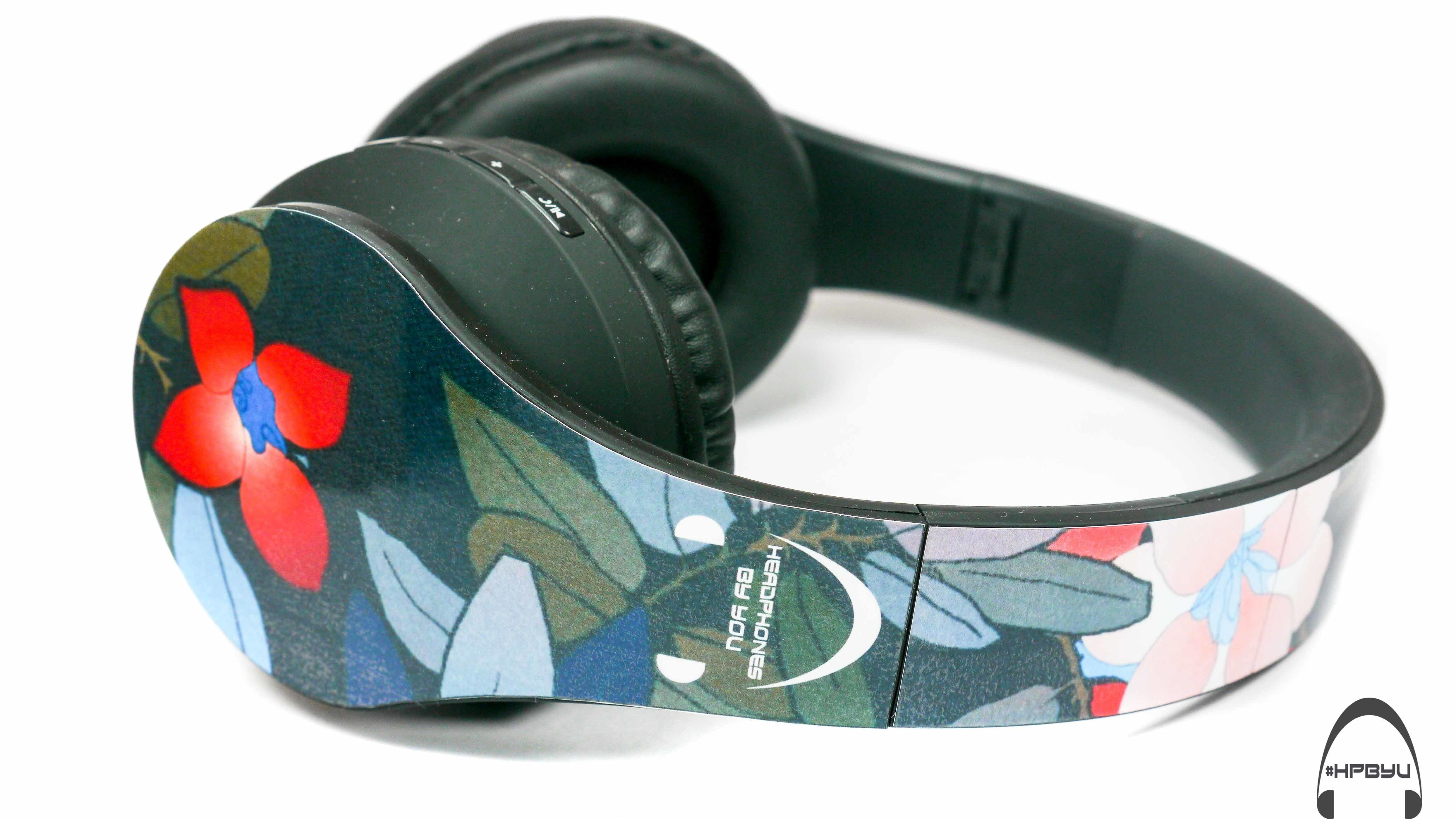 Dark Flowers Floral Print Bluetooth Headphones